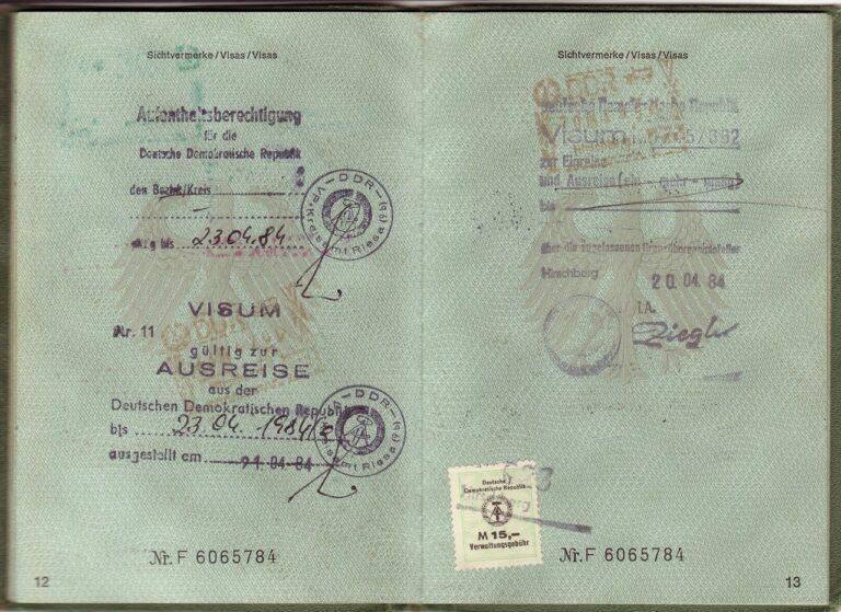 Poema: Pasaportes descosidos