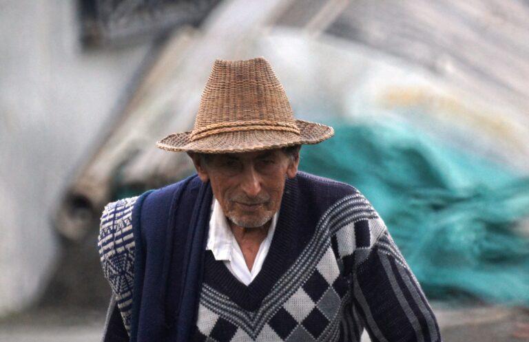 Un hombre mayor para el poema